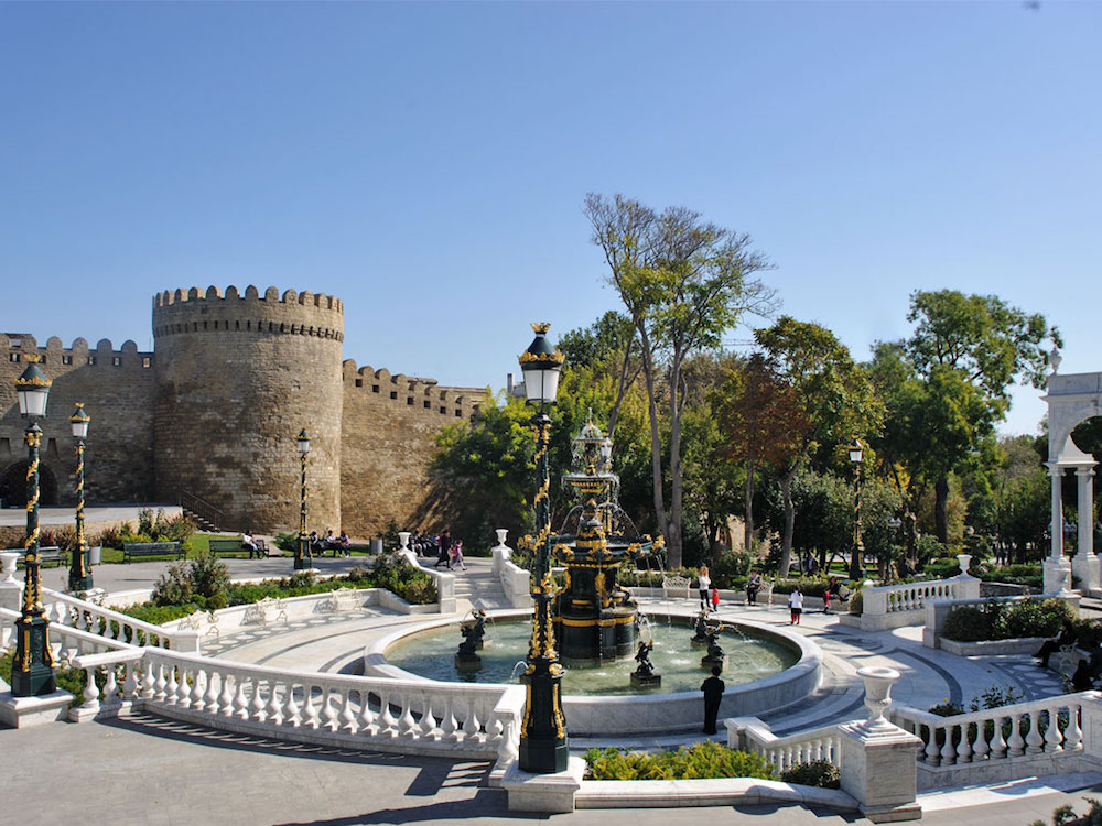 walled-city-shirvanshah-palace-azerbaijan